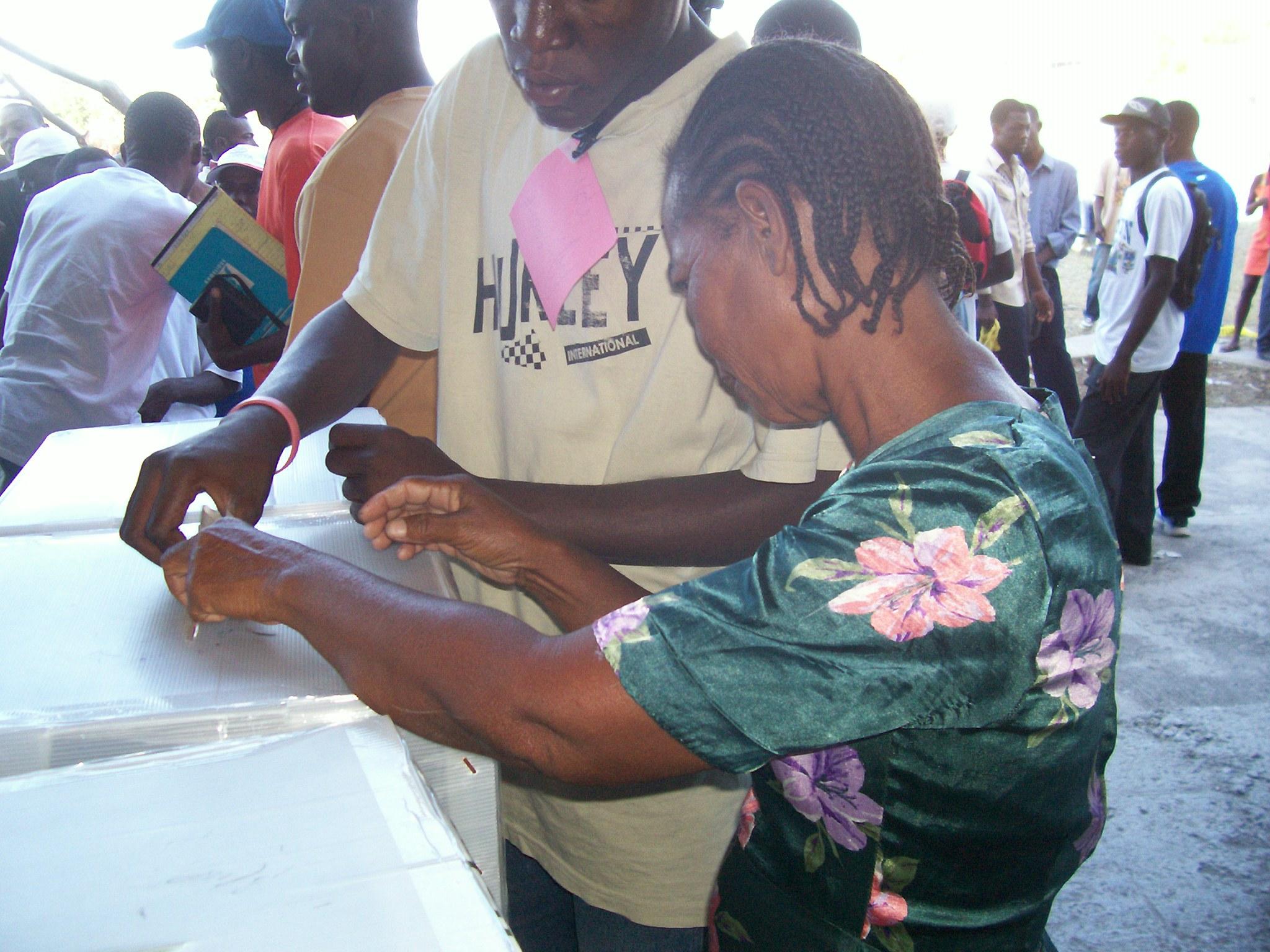 woman voting