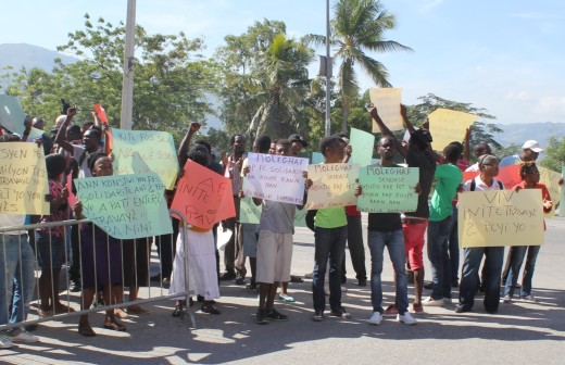 Lettre Ouverte a la Police Nationale d'Haïti sur les droits de manifester | Open Letter to Haitian National Police RE Right to Protest
