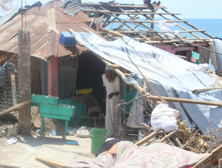 woman-house-destroyed